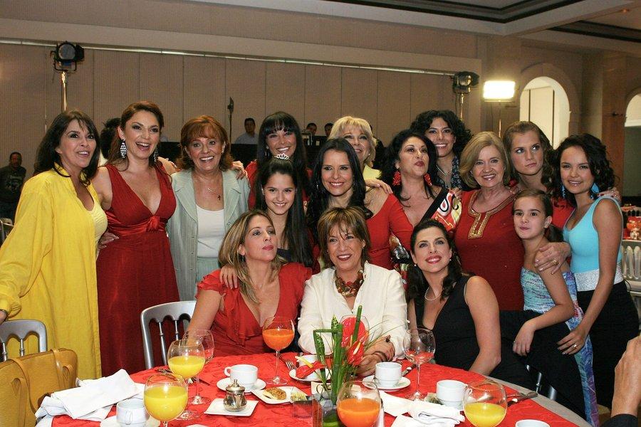 Lo Que Callamos Las Mujeres Genoveva Martinez